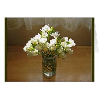 Freesias im Vase Karte