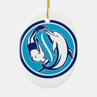 Freier Taucher und Delphin Yin Yang Kreis Retro Keramik Ornament