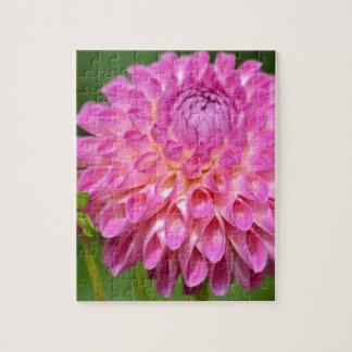 Freigebiges rosa Dahlie-und Knospen-Plakat Puzzle