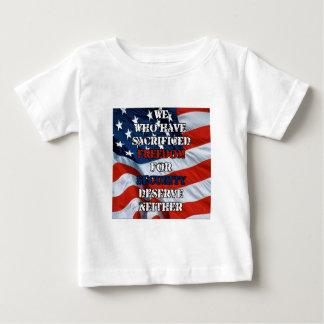 Freiheit gegen Sicherheit Baby T-shirt