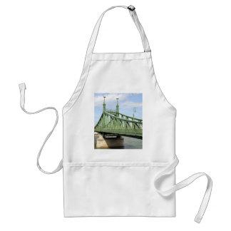 Freiheits-Brücke, Budapest, Ungarn Schürze