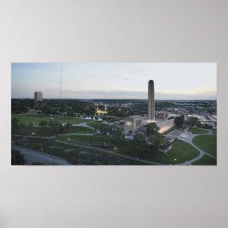 Freiheits-Denkmal und BMA Gebäude, Kansas City, MI Poster