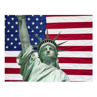 Freiheitsstatue und amerikanische Flagge Postkarte