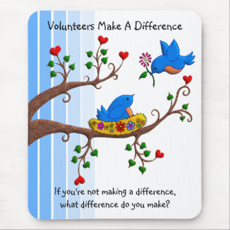 Freiwillige unterscheiden mousepads