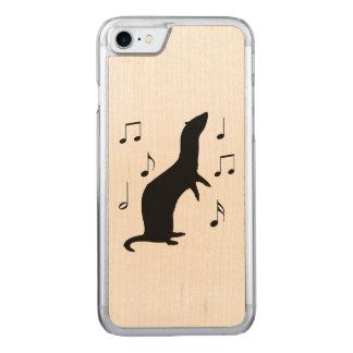 Frettchen mit Musiknoten in der Silhouette Carved iPhone 8/7 Hülle
