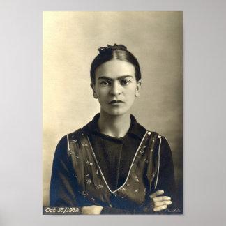 Frida Kahlo-Arme gekreuzt Poster
