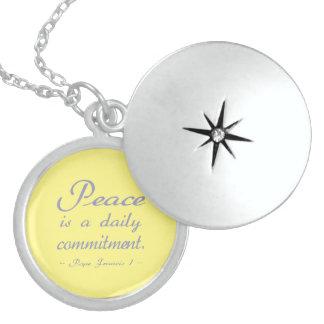 Frieden ist eine tägliche Verpflichtung Medaillon