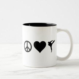 FriedensLiebe-Karate Zweifarbige Tasse
