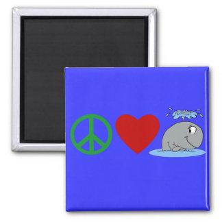 FriedensLiebe-Wal-T-Shirts, Reise-Becher, Geschenk Magnete