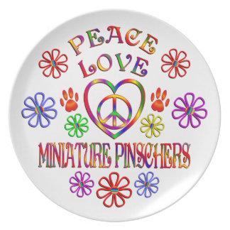 FriedensLiebeminiaturPinschers Teller