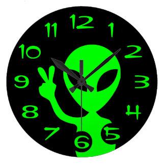 Friedenszeichen-alien-Wand-Uhr Große Wanduhr