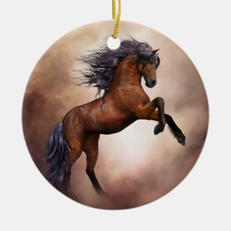 Friesisches braunes Pferd, das oben mit Keramik Ornament