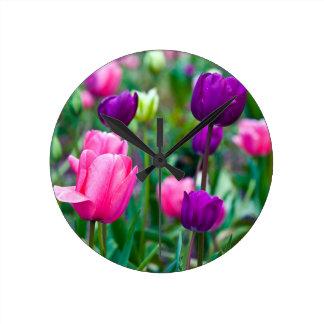 Frische Bunte Tulpen Runde Wanduhr