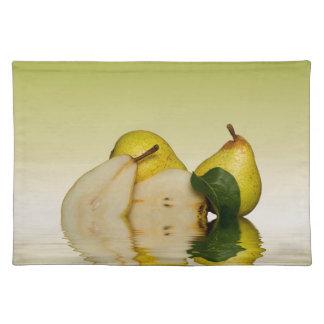 Frische grüne Birnen-Frucht Stofftischset