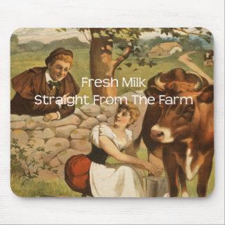 Frische Milch gerade vom Bauernhof Mauspads