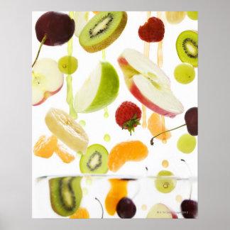 Frische Mischfrucht mit Apfel u. Orangensaft Poster