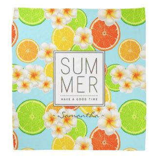 Frische Sommer-Früchte und exotische Kopftuch