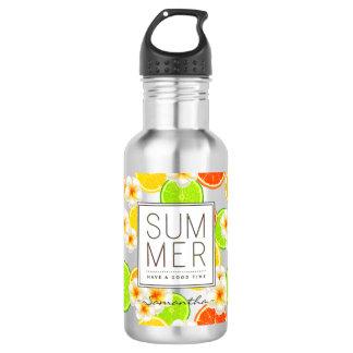 Frische Sommer-Früchte und exotische Trinkflasche