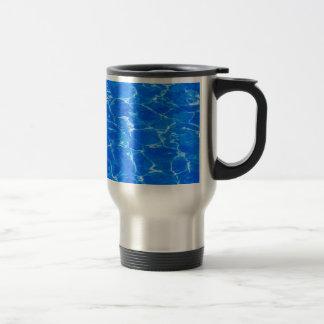 Frisches blaues Wasser Reisebecher