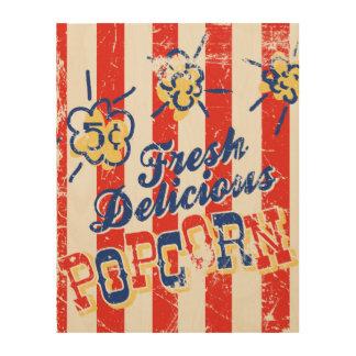 Frisches köstliches Popcorn-Retro hölzernes Holzdrucke