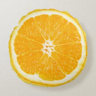 Frisches orange rundes Kissen