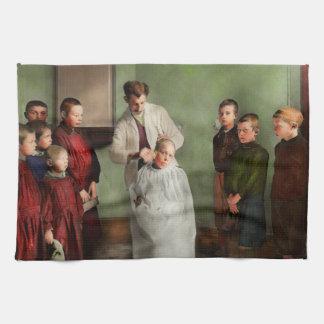 Friseur - Haarschnitt-Tag 1918 Küchentuch