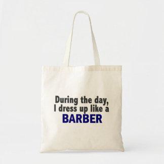 Friseur während des Tages Taschen