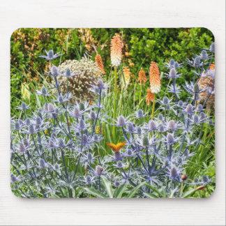 Fritillary-Schmetterling in einem Sommer-Garten Mousepad