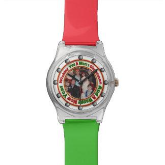 Frohe Weihnacht-Grün-addieren roter Goldkreis Foto Uhr