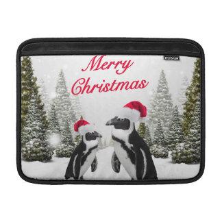 Frohe Weihnacht-Pinguine im Schnee Sleeve Fürs MacBook Air