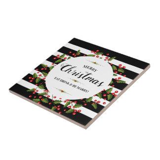Frohe Weihnacht-Typografie-roter Beeren-Kranz Fliese