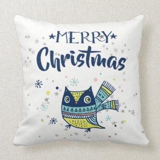 Frohe Weihnacht-Typografie u. Weihnachtseule Kissen