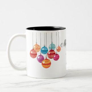 Frohe Weihnachten mit Verzierungen - Zweifarbige Tasse