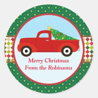 Fröhlicher Weihnachtsbaum in einem LKW-Aufkleber Runder Aufkleber