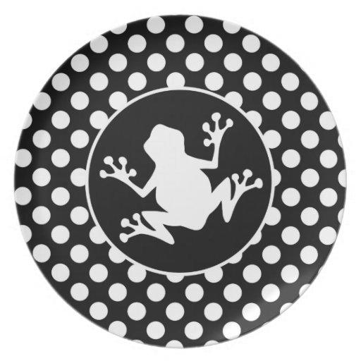 frosch auf schwarzweiss tupfen flache teller zazzle. Black Bedroom Furniture Sets. Home Design Ideas