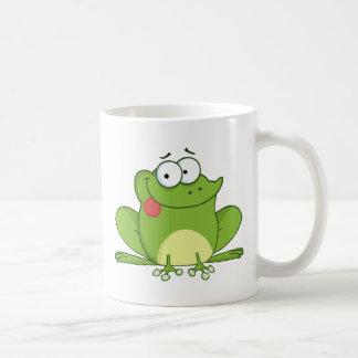 Frosch-Cartoon-Charakter, der heraus seine Zunge Kaffeetasse