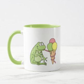 Frosch mit Eiscreme Tasse