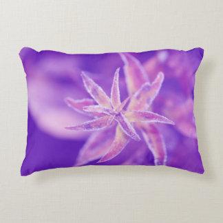 Frozen plant in purple deko kissen