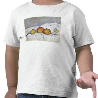Frucht auf einem Stoff, c.1890 Tshirts