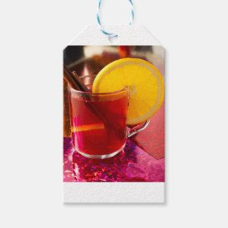 Frucht-Glühwein mit Zimt und Orange Geschenkanhänger