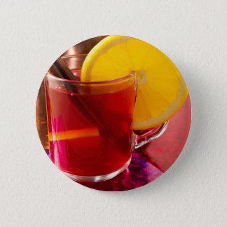 Frucht-Glühwein mit Zimt und Orange Runder Button 5,1 Cm