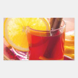 Fruchtzitrusfruchttee mit Zimt und Orange Rechteckiger Aufkleber