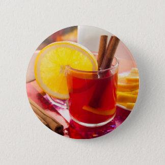 Fruchtzitrusfruchttee mit Zimt und Orange Runder Button 5,1 Cm