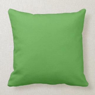 Frühlings-Blatt-Grün in einem englischen Zierkissen