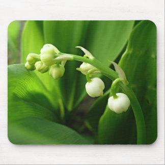 Frühlings-Blumen - Lilie des Tales Mousepad