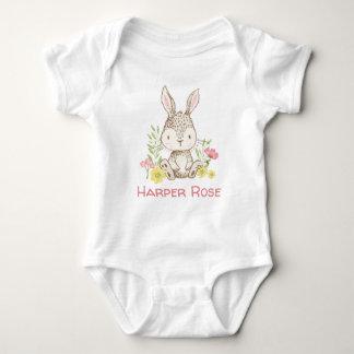 Frühlings-Häschen - personalisiert Baby Strampler