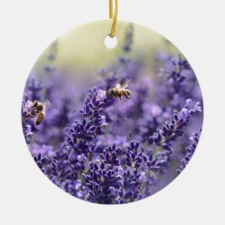 Frühlings-Lavendel mit Bienen-lila Blumen Keramik Ornament