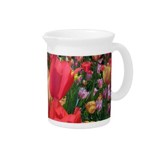 Frühlings-Tulpen Getränke Pitcher