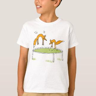 Füchse auf Trampoline T-Shirt