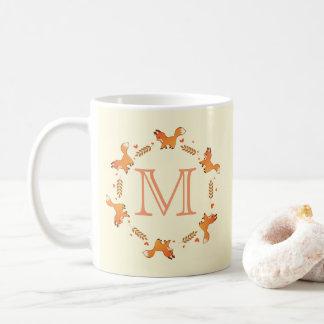 Füchse, Lorbeer und Herz-Kranz mit Monogramm Kaffeetasse